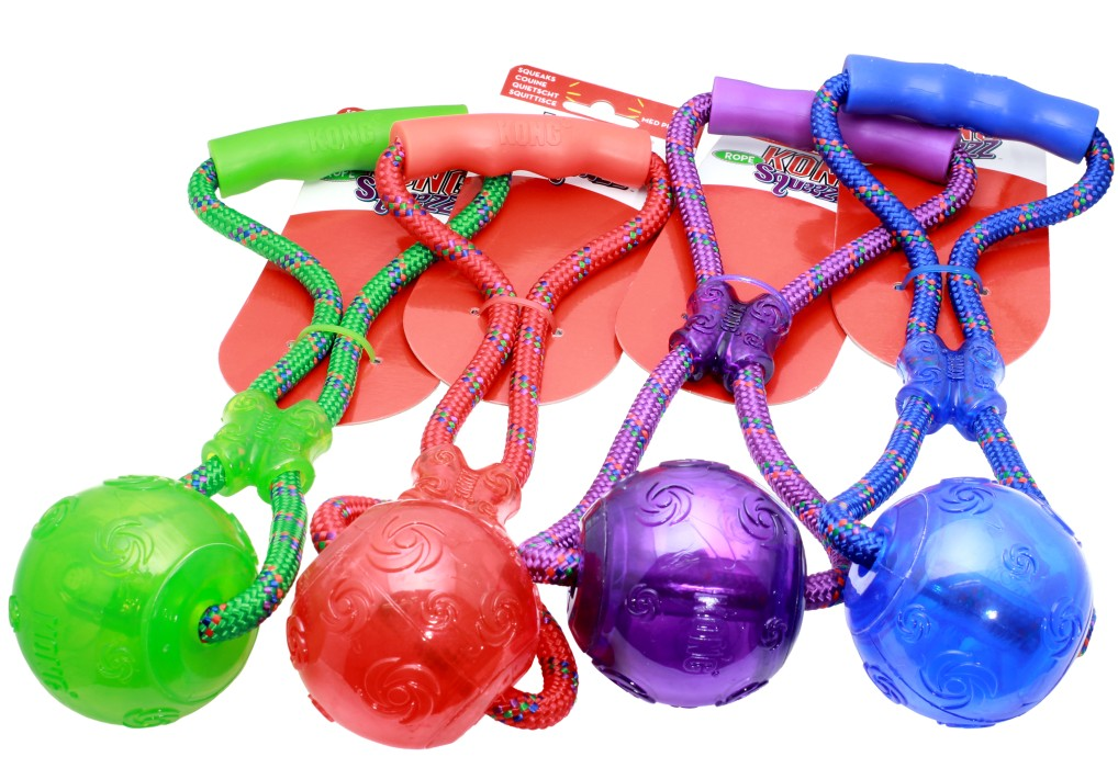 Kong Squeezz Boll m rep & handtag L